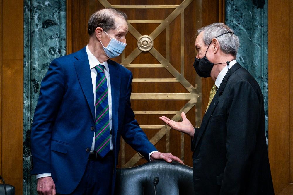 Senator Ron Wyden (D-Oregon) with Senator Mike Crapo (R-Idaho) on May 12.