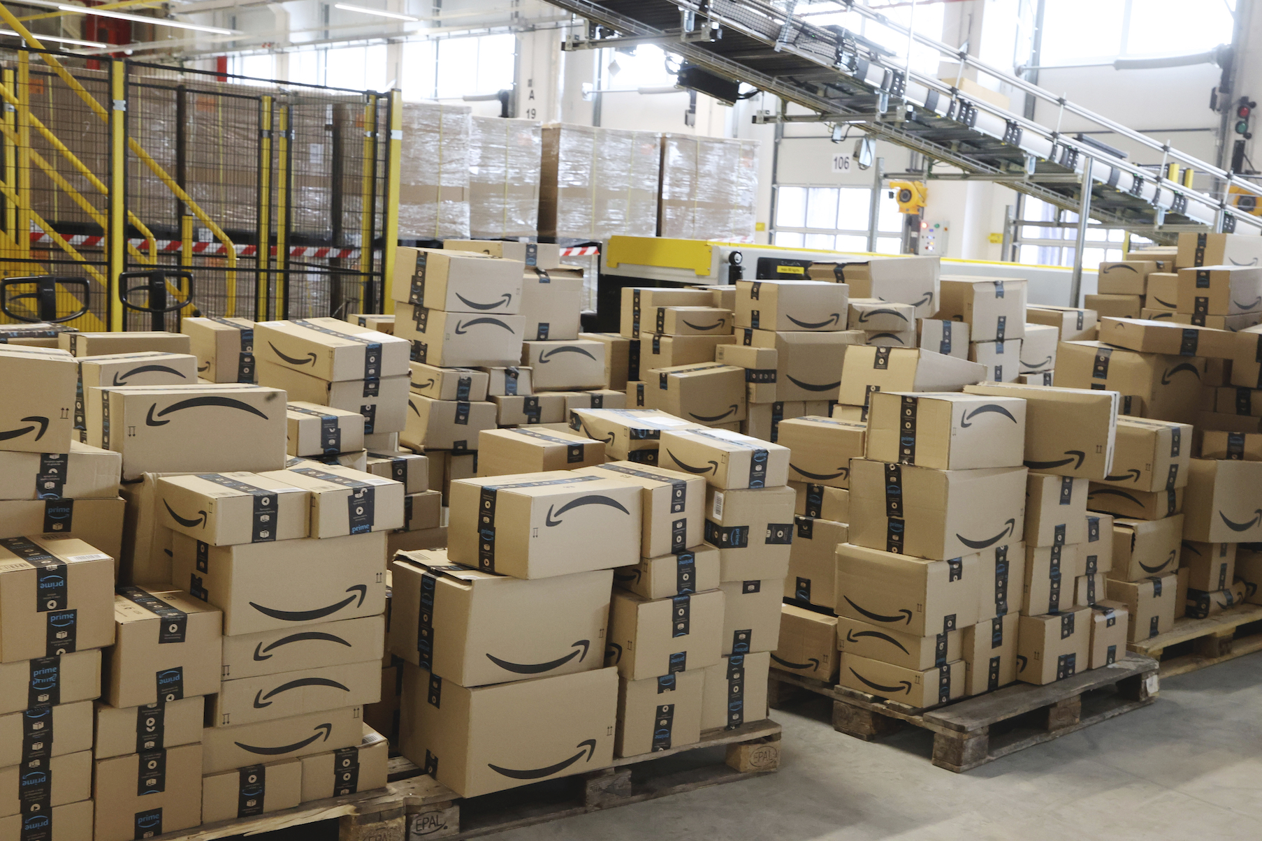 Despite its third-straight $100 billion quarter, Amazon feels its delivery and fulfillment operations have plenty of room for improvement.