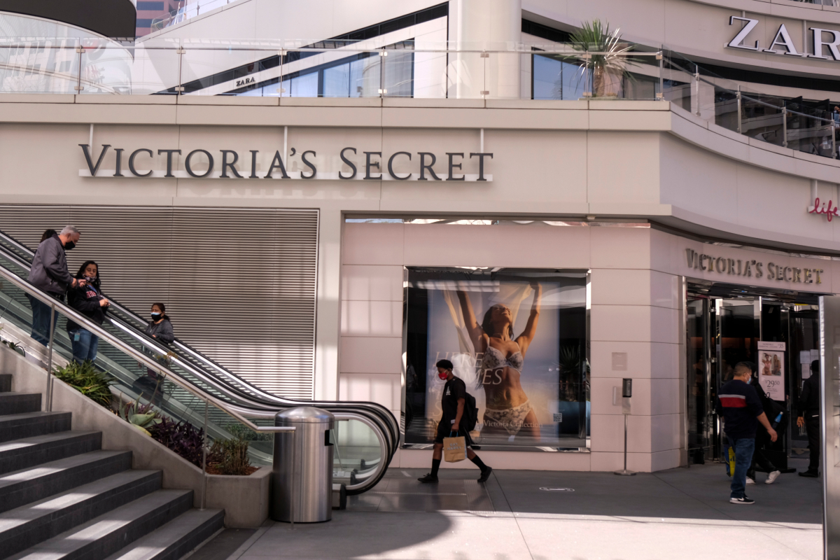 Executives speaking at L Brands' investor day event revealed plans to experiment with off-mall stores and admitted VS' recent failures.