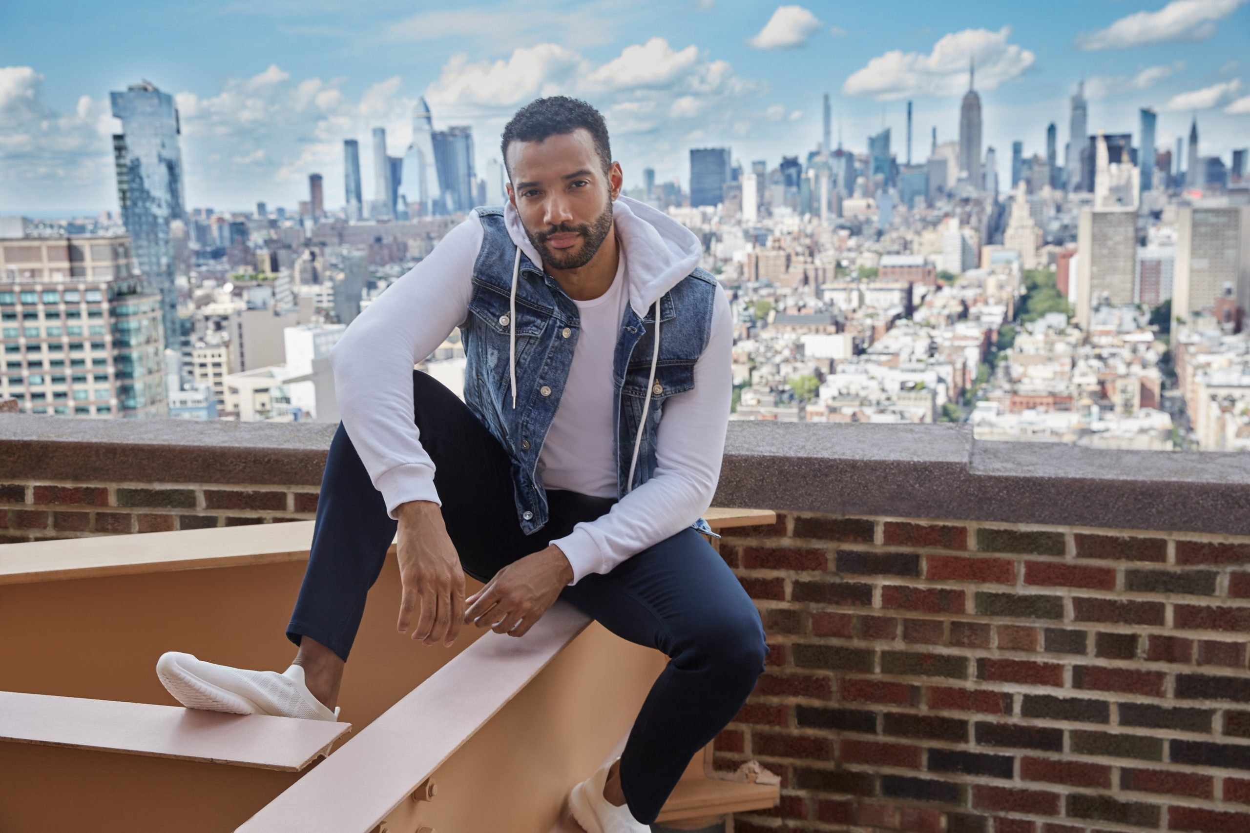 New York & Company introduces men's apparel online this fall—the first of several key product expansion into footwear and home goods.