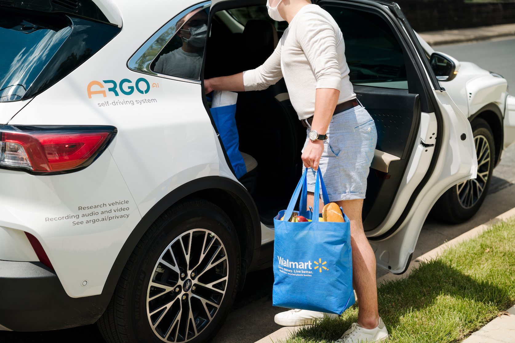 Walmart is teaming with Ford and autonomous vehicle technology company Argo AI to deploy a last-mile delivery service in three cities.