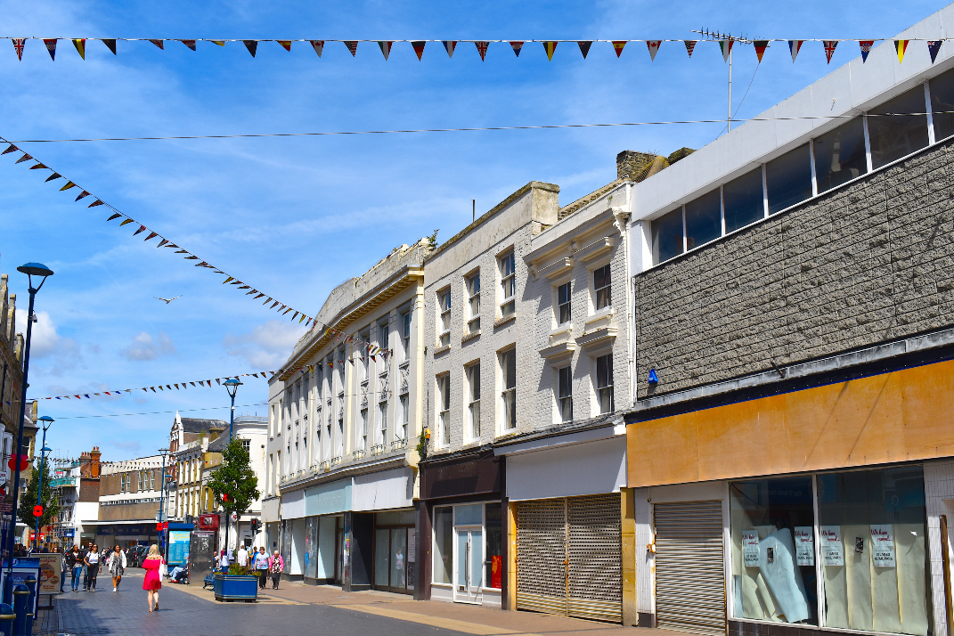 An upcoming governmental report could determine the future of UK retail, as retailers hope for a business rates reduction.