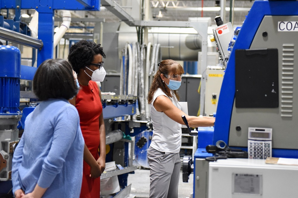 Aurora Specialty Textiles welcomed USTR Katherine Tai and Rep. Lauren Underwood to its Yorkville, Ill., manufacturing plant this week.