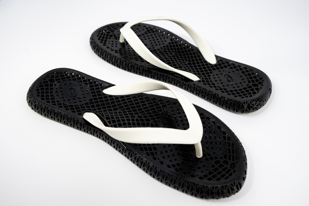 Asics utilized LuxCreo's SmartFactory to create personalized flip flops for attendees at its Future Experience Lab event.