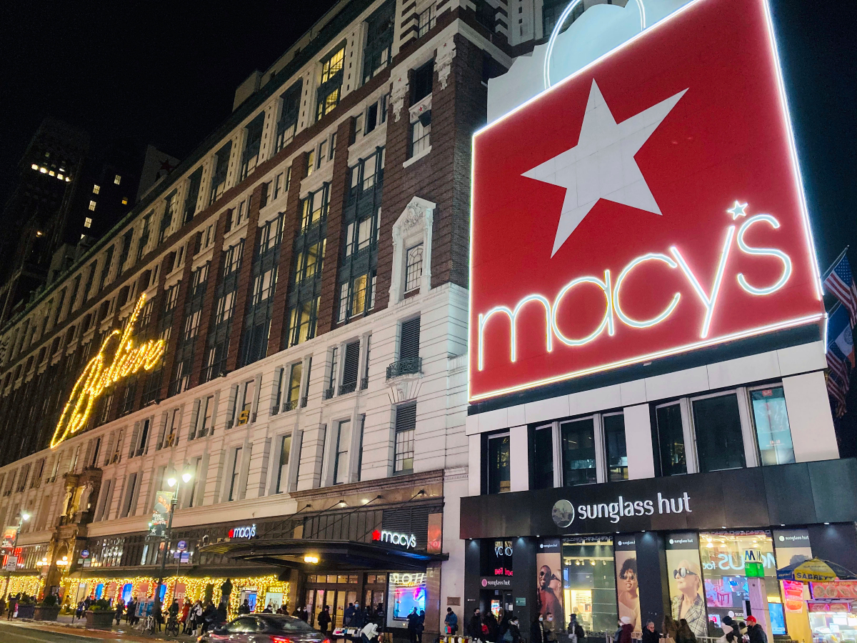 With some Covid-wary consumers planning to do more holiday shopping online, Macy's is throwing 21,000 jobs at digital fulfillment.