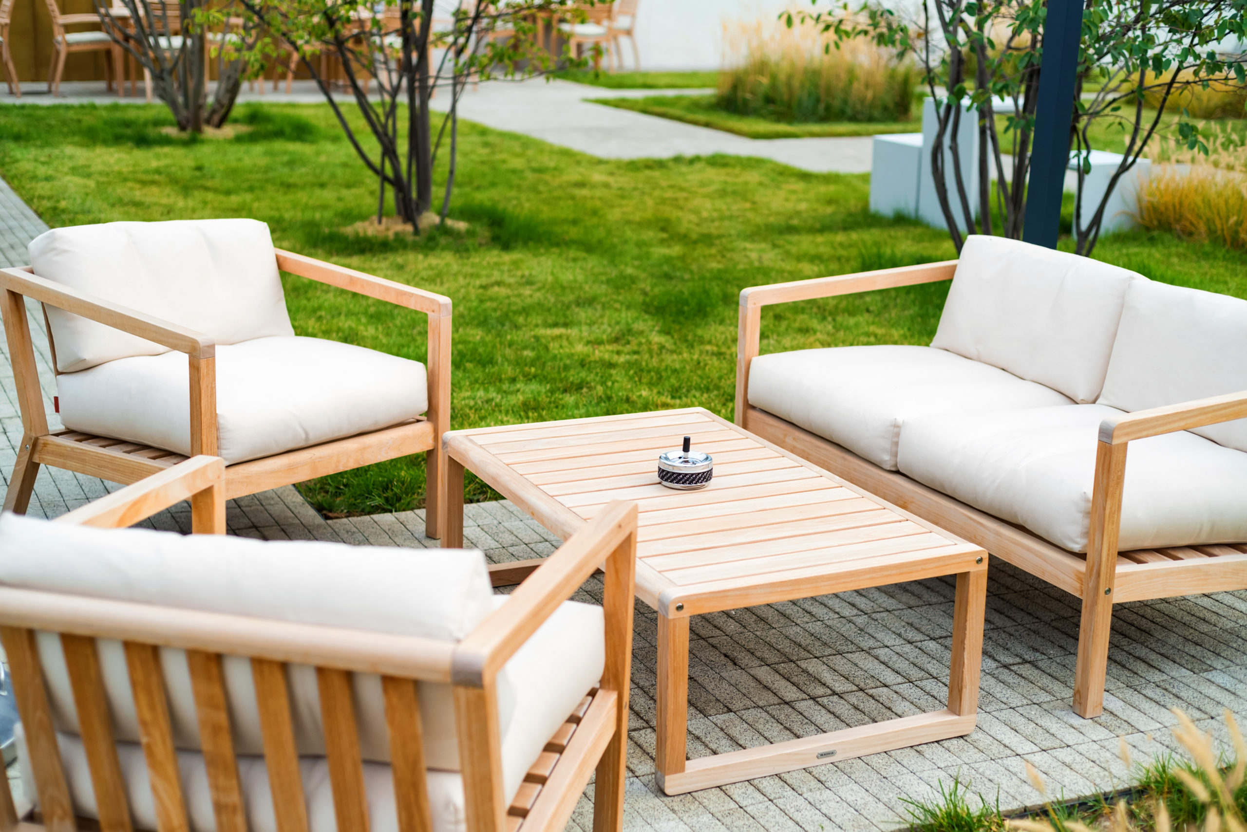 The outdoor furniture market is seeing robust growth.