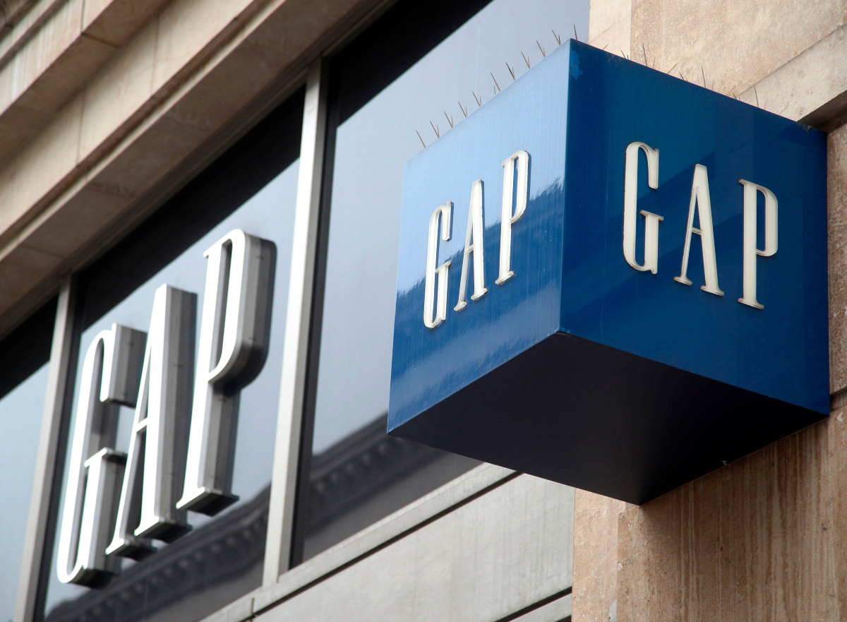 From Gap to Urban to Abercrombie, apparel retailers are looking at ways to manage orders and minimize post-holiday markdowns.