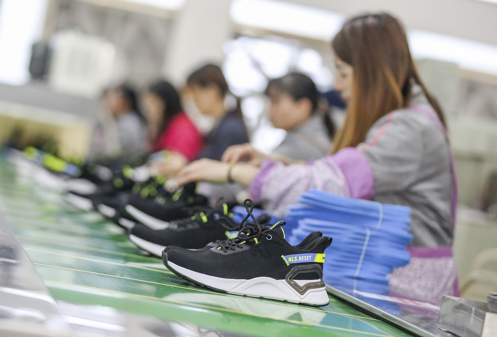 While production problems in Vietnam might not have shown up yet in import data, U.S. footwear imports continue to rise.