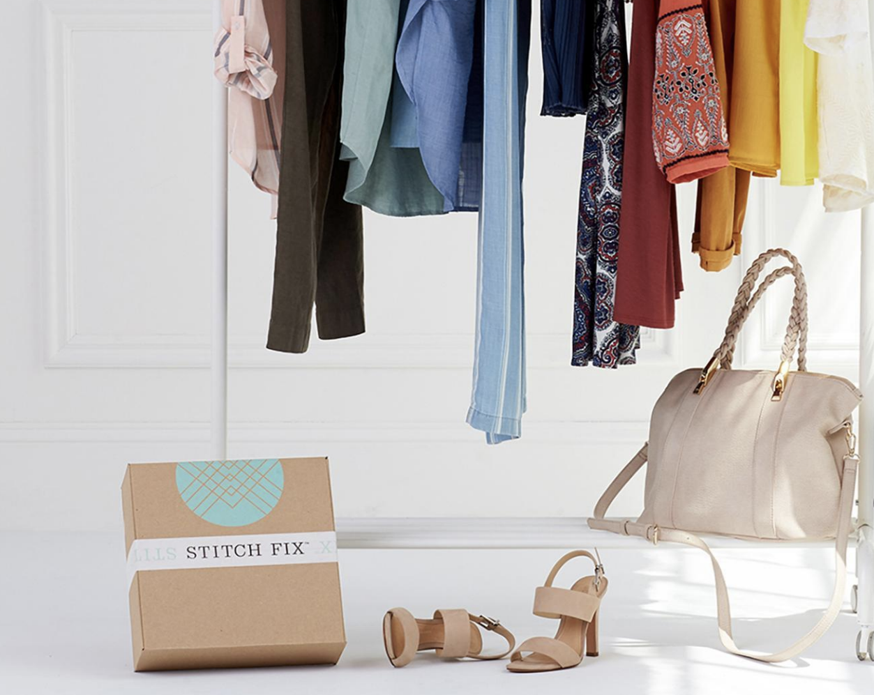 Online personal styling service Stitch Fix beat Wall Street estimates with net revenue of$571.2 million, an increase of 29 percent year over year, in its fourth quarter.