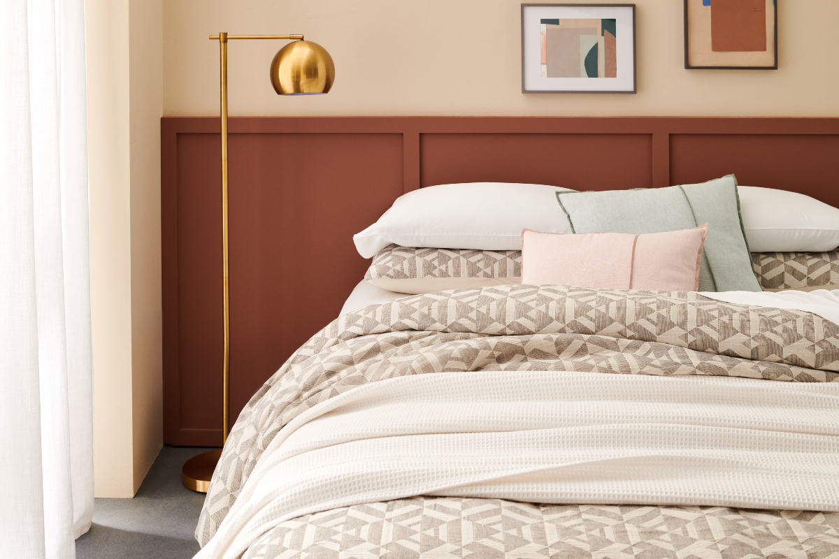 Bed Bath & Beyond announced the launch of its latest private brand Studio 3B, a line of contemporary home decor, soft goods and furnishings.