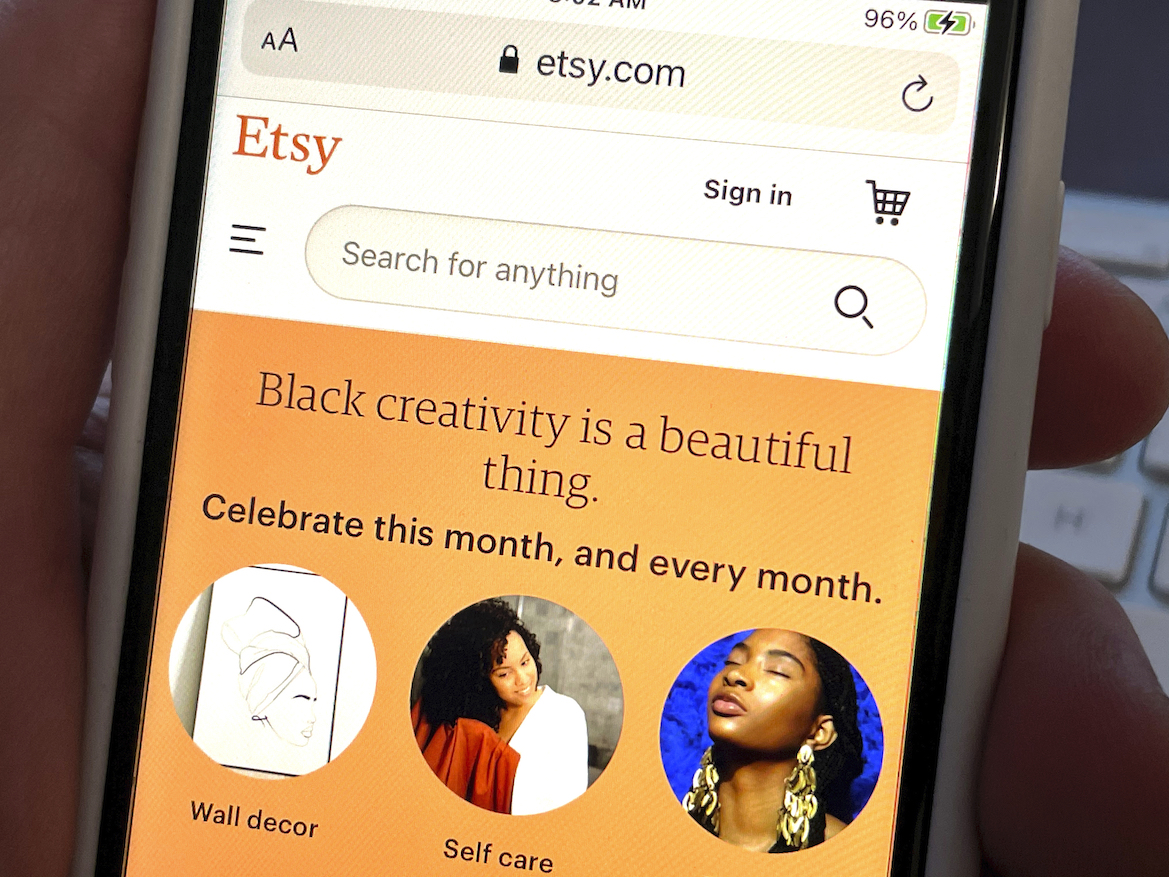 Despite differing supply chains, Etsy, Amazon and Farfetch are all set up well to handle the holiday rush, according to Oppenheimer & Co.